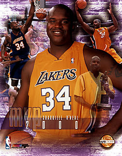 421314~Shaquille-O-Neal-Lakers-34-2000-MVP-Posters