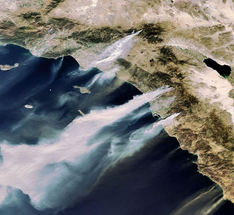 Satellite photo of smoke from California wildfires, 2007